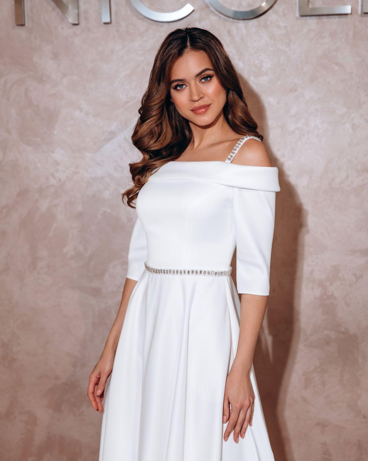 Прямое Атласное Платье