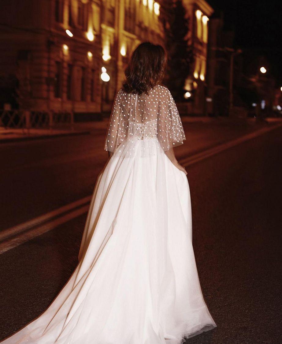 Свадебное платье принцесса с кейпом купить в Москве